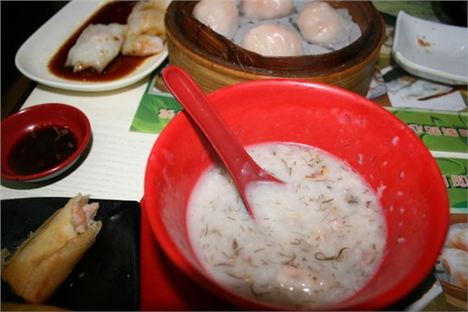 3. Hong Kong David Cawley - Dim Sum On Offer At Tim Ho Wan, The World's Cheapest Michellin Starred Eatery.