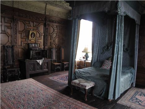 Queen's State Bedroom