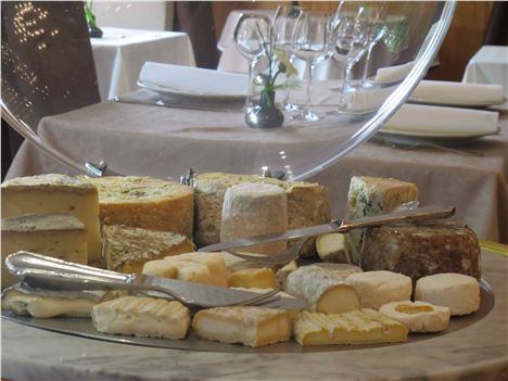 Classic Cheese Tray At Charlieu