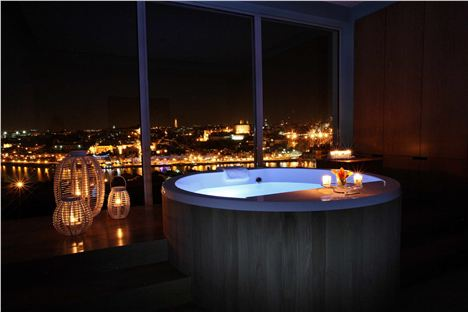The Yeatman Barrel Bath