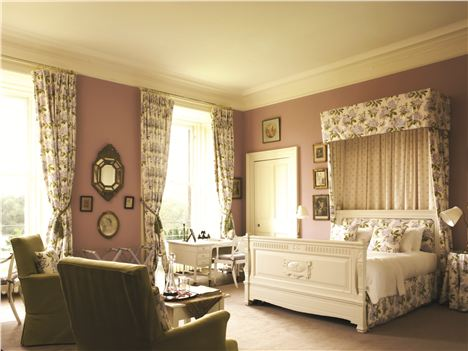 Castle Mauve Room