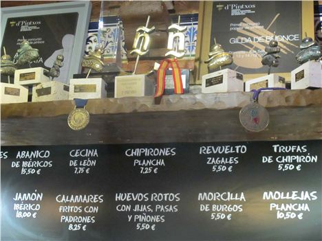 Awards And Specials At Los Zagales De Abadia