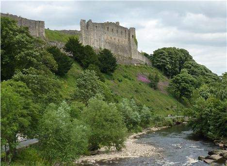 Richmond_Castle_Overlooking_The_River_Swale