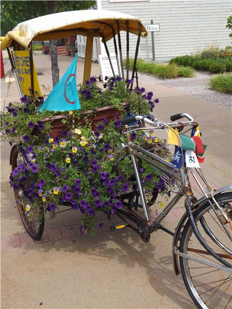 Floral Vehicle In Lunenburg