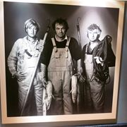 Unemployed British Fisherman Are On The Walls Throughout 25 Hours