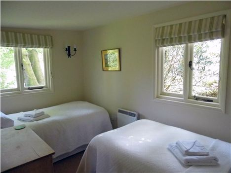 The Summer House Twin Bedroom