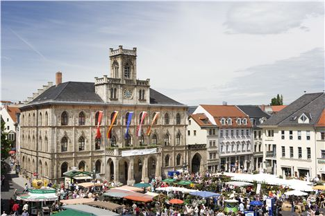 4. Set In The Weimar's Old Town, The Market Square Is Home To Thuringian Produce Stalls And The Plush Elephant Hotel. Image Courtesy Of Www.Visit-Thuringia.Co