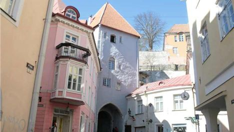 Walking Tallinn – Estonia's Medieval Capital